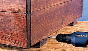 KROK IV - Łączenie konstrukcji donicy ogrodowej