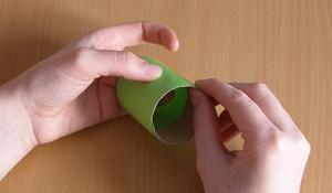 Krok II – Oklejenie rolek papierem
